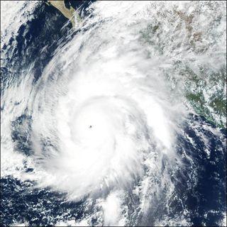¿Quién nombra a los huracanes?