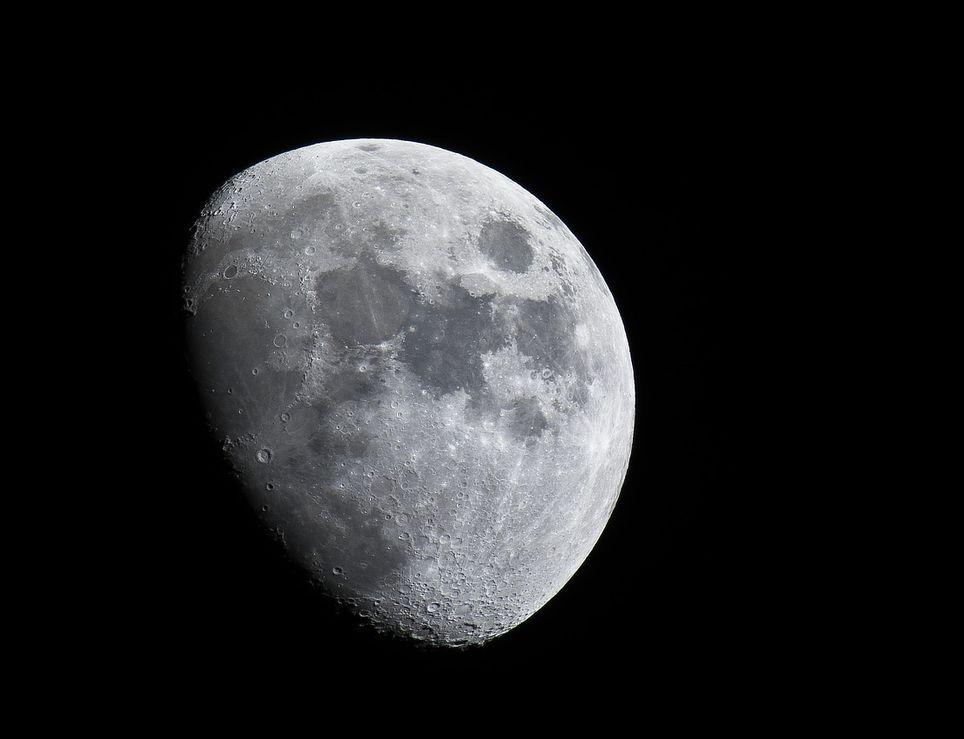 La Luna inspira tanto... que da lugar a leyendas urbanas demasiado exageradas, y estamos seguros que muchas de ellas tú también las creías ciertas.