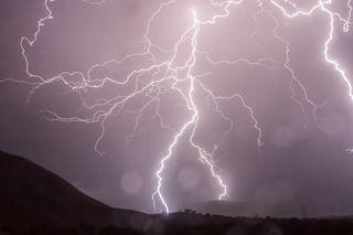 Chubascos, tormentas aisladas, dispersas, generalizadas,....