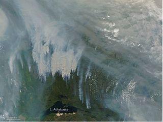 El humo rompe penosos récords en Canadá y llega a Europa
