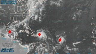 Huracanes devastadores, chemtrails, control del tiempo y Patrick Roddie