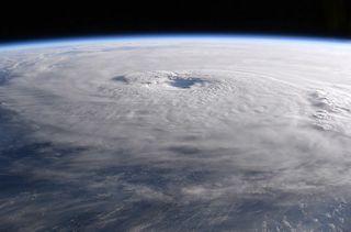 El huracán María visto desde el espacio