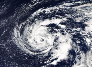 La tormenta tropical Ophelia y su posible transición extratropical frente a las costas de la Península. Parte I