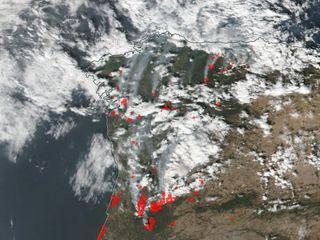 El infierno en Galicia: tres muertos por los pavorosos incendios forestales