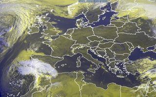 Tiempo veraniego en primavera en Europa