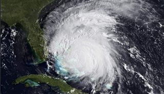 Cinco aspectos donde los humanos le ganan a los huracanes