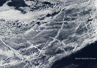 Más barcos y más nubes, más enfriamiento en el Ártico