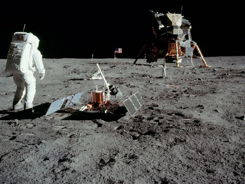 Aldrin y Armstrong en la luna