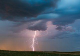 """A punto de """"estallar"""" una tarde de tormentas en el noreste peninsular"""