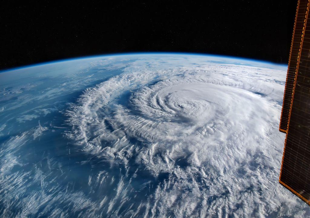 Furacão; tempestade; temporada de furacões