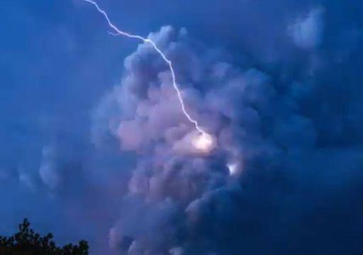 Alerta máxima: las impactantes imágenes de la erupción del volcán Taal