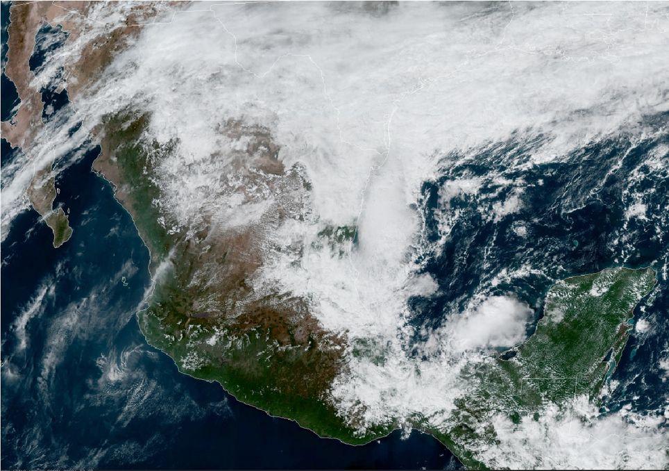 Frente frío no. 11 recorriendo la vertiente oriental mexicana