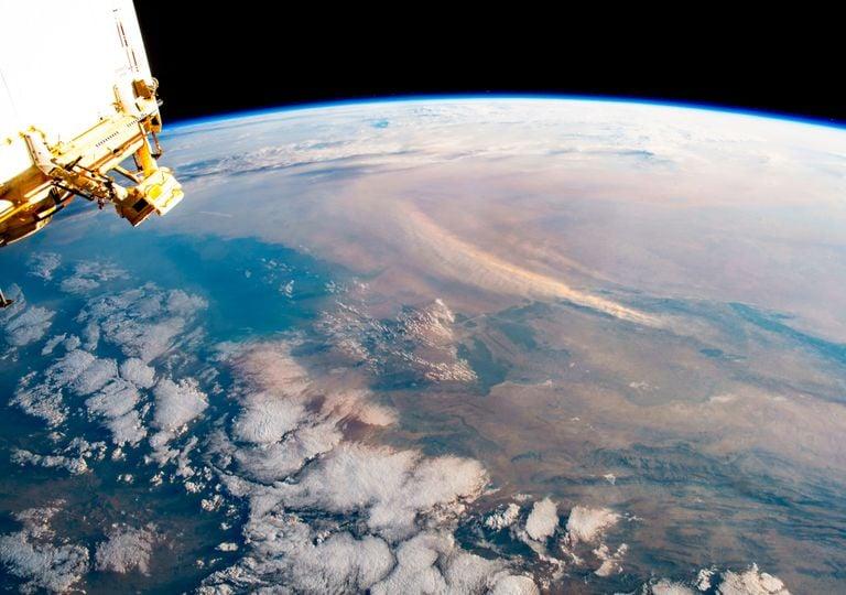 Astronauta captura imagens impressionantes de uma tempestade de areia