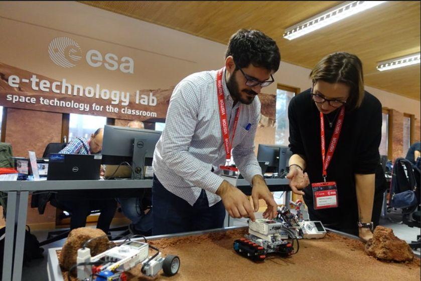 Docentes de secundaria construyen un róver para explorar Marte con LEGO