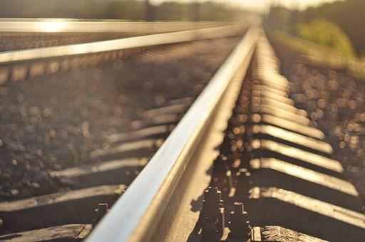 ¿Cuánto contamina un tren de alta velocidad como AVLO?