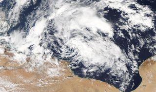 Zona di bassa pressione mediterranea con caratteristiche subtropicali