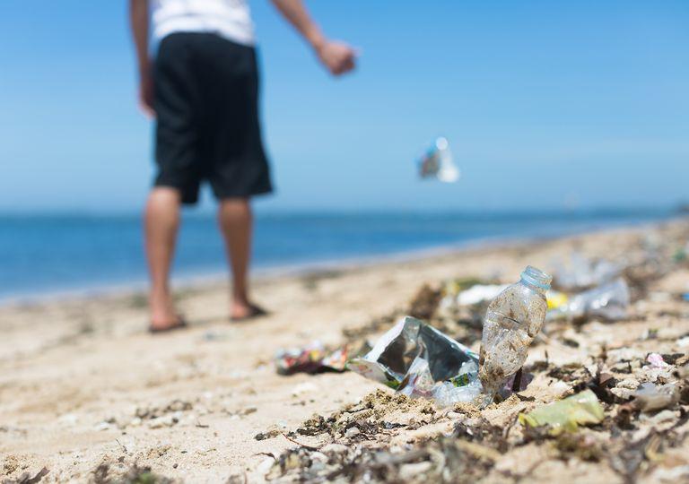 UK heatwave beach litter.