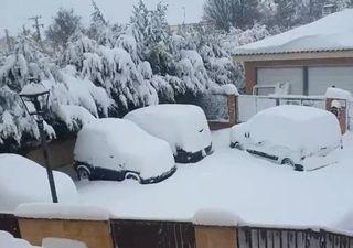 Intensas nevadas colapsan la ciudad de Madrid