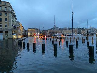 Bouches-du-Rhône : l'alerte rouge déclenchée, pluie record à Marseille