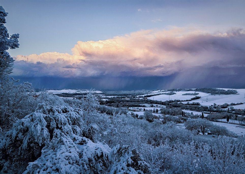 Previsioni per il 14 febbraio, stabile con cieli nuvolosi mattino e pomeriggio