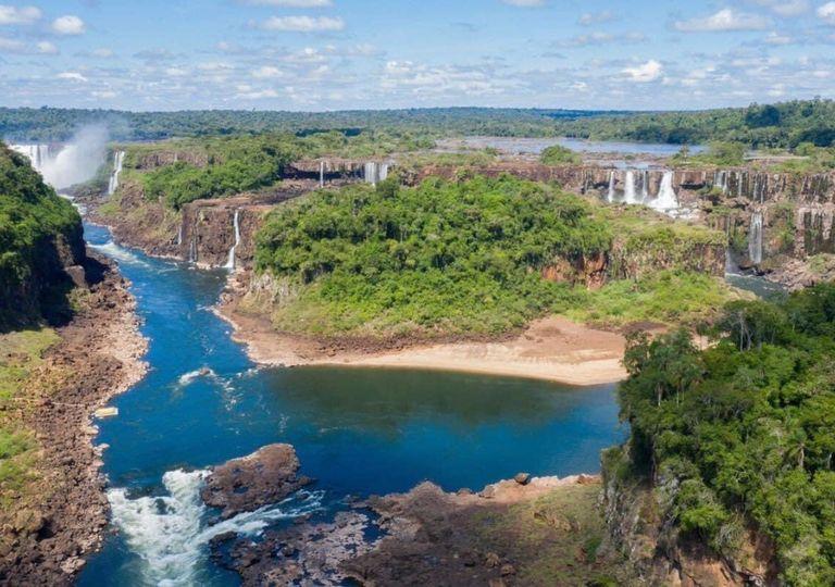 Cataratas del Iguazú sin agua sequía lluvias pandemia coronavirus turistas cuarentena