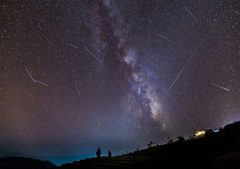 Chuva de meteoros.
