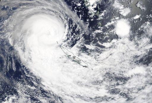 Ciclón tropical hacia las costas australianas del este: Uesi