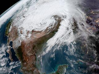 Ciclone bomba histórico atinge os EUA