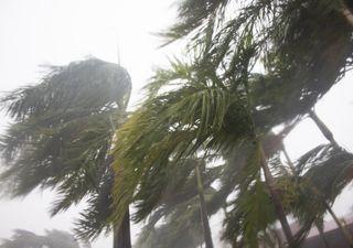 Super ciclone tropical Amphan atinge a Índia e o Bangladesh