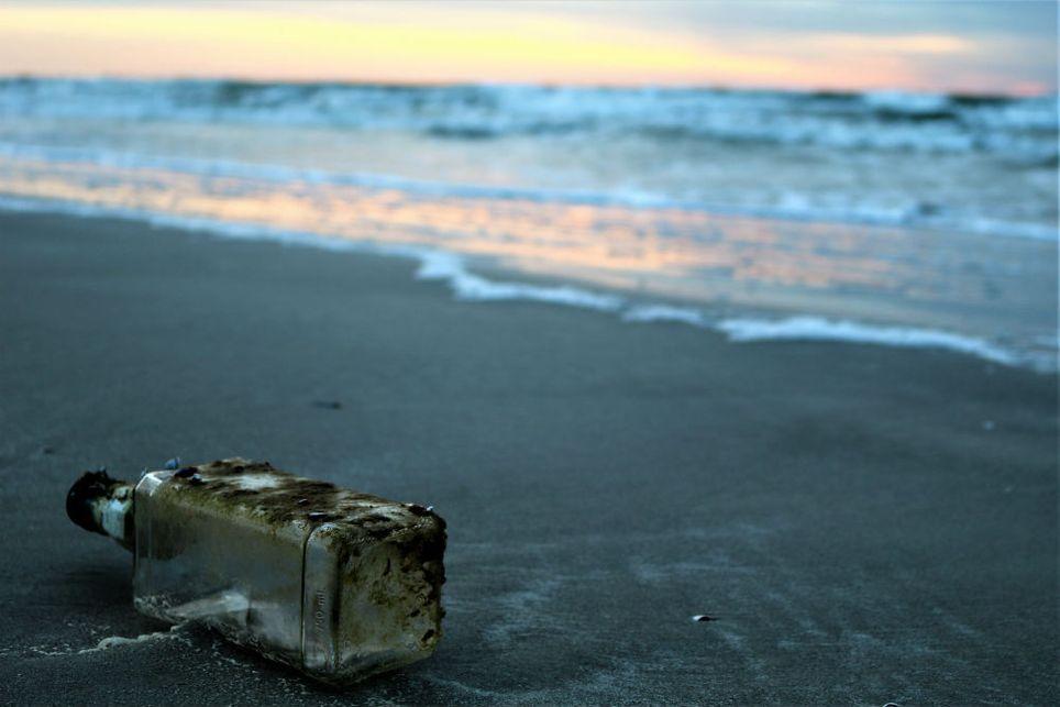 Cientistas descobrem enzima que destrói plástico