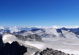 Al via la più importante estrazione di ghiaccio nell'arco alpino