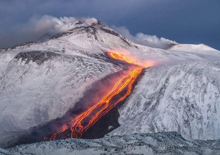 Vulcão glaciares e neve