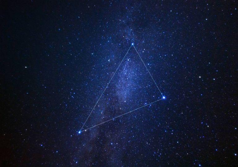 triângulo de verão estrelas universo astronomia via láctea