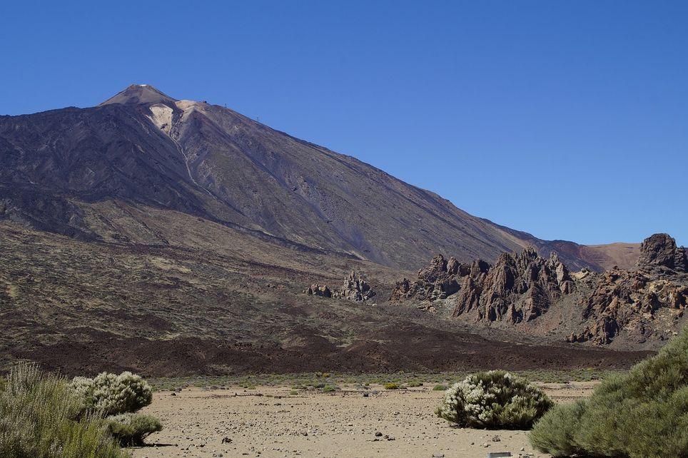 El Parque Nacional del Teide, en las islas Canarias, es uno de los 15 Parques Nacionales declarados por la Federación EUROPARC en nuestro país.