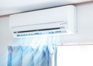 ¿Cuánta agua saca un aparato de aire acondicionado en una casa?