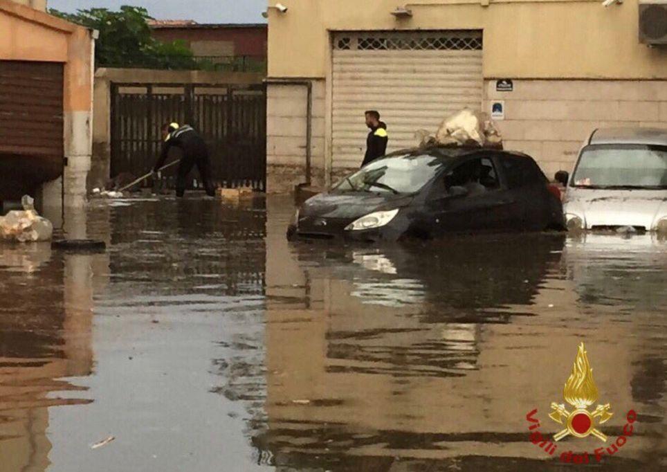 alluvione-vigili-fuoco