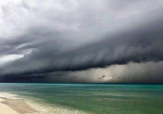 'Delta' toca tierra en Quintana Roo