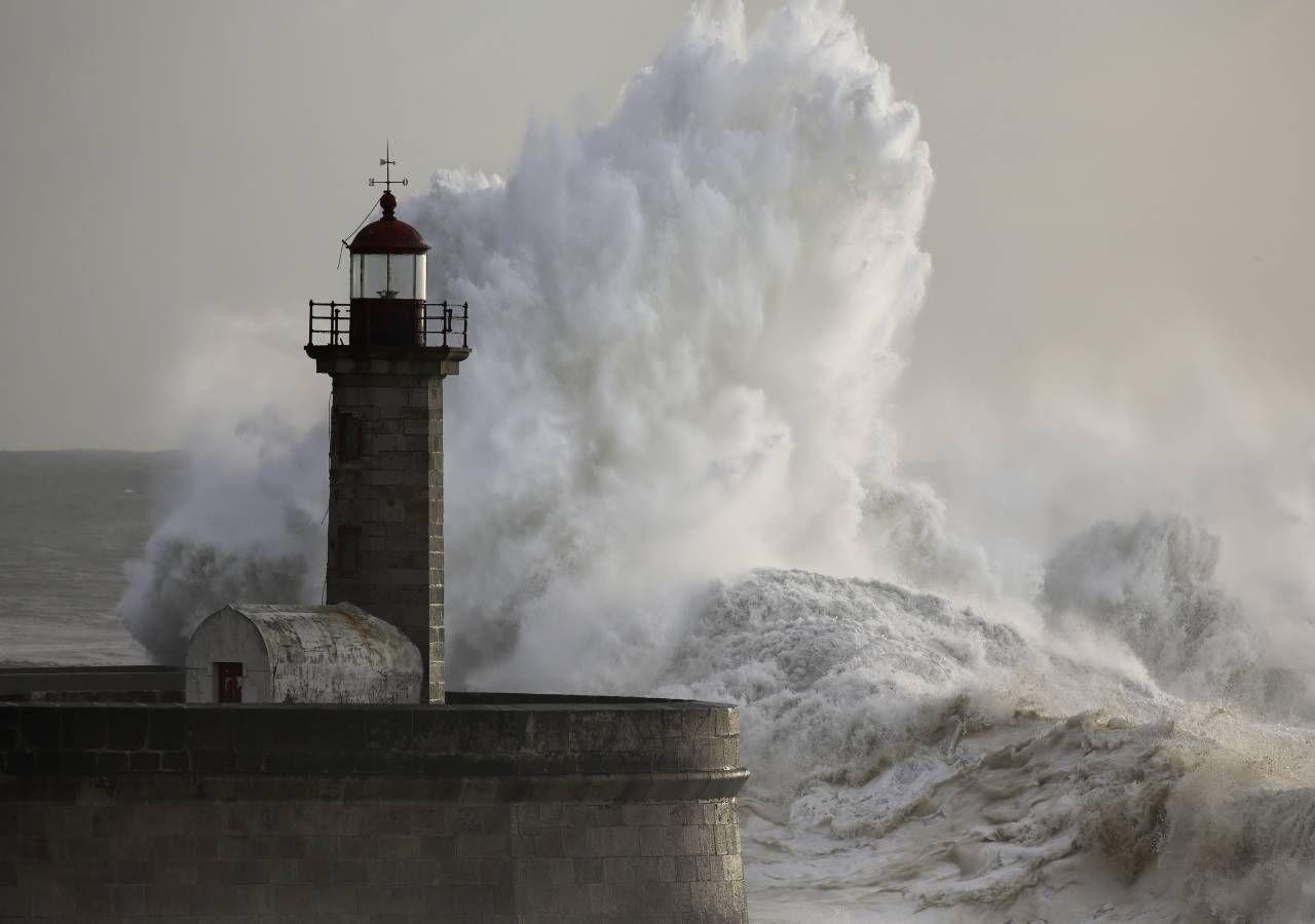 Aviso vermelho devido à depressão Dora: chuva, vento e mar agitado!