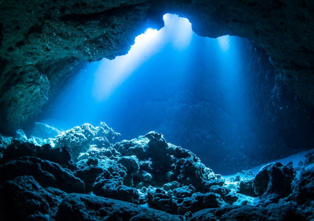 Piedras debajo del mar