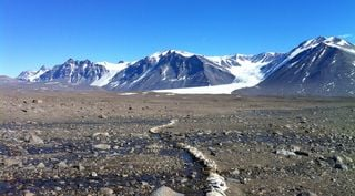 Deshielo en los Valles Secos de la Antártida