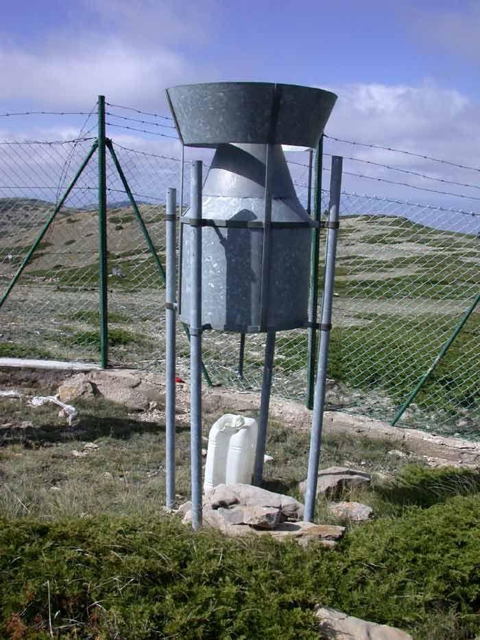 """dinosaurios"" Meteorológicos De Montaña: Los Totalizadores De Precipitación"
