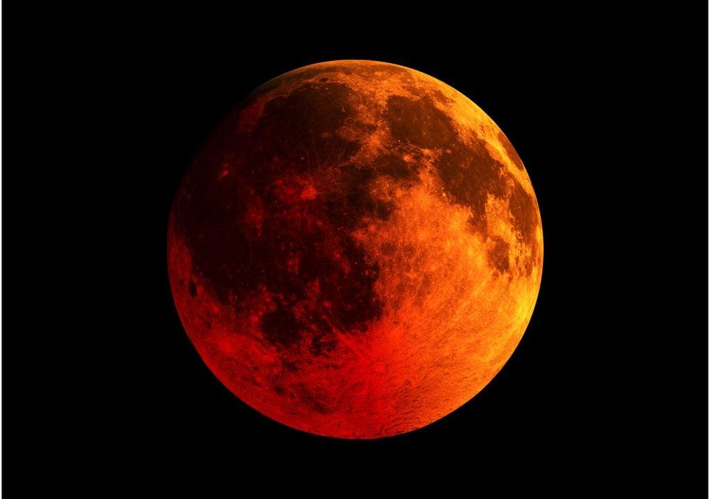 """""""La Luna de sangre"""""""