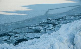 El Ártico se encoge y adelgaza
