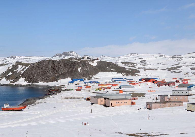 Península Antártica; Isla Rey Jorge; Base Rusa