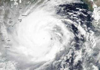 El superciclón Amphan toca tierra: desastre en la India y Bangladesh