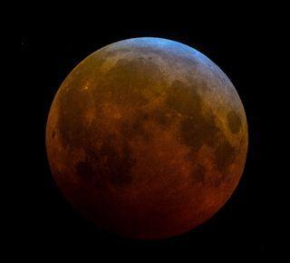 El eclipse lunar de sangre y azul