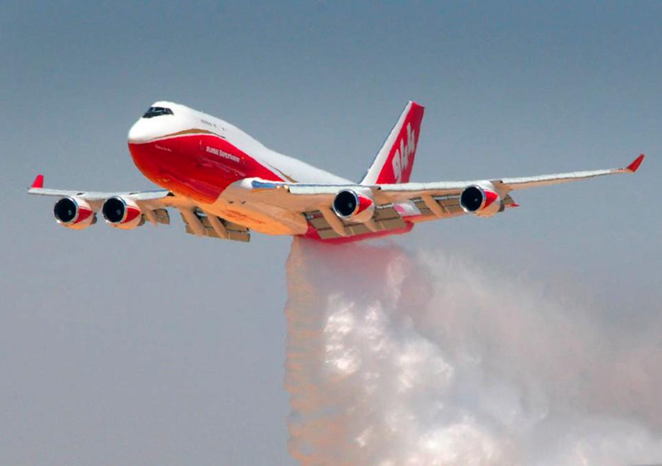 Avión antiincendios B747