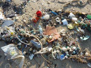 El plástico vertido en el Mediterráneo se duplicará en 20 años
