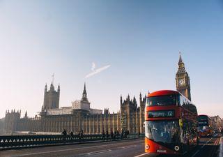 Reino Unido adelanta prohibición de venta de automóviles a gasolina