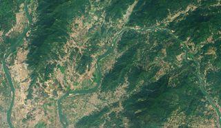 El río Mekong cambia de marrón a verde